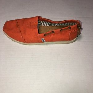 Toms orange Bimini stitchout boat shoes size 6